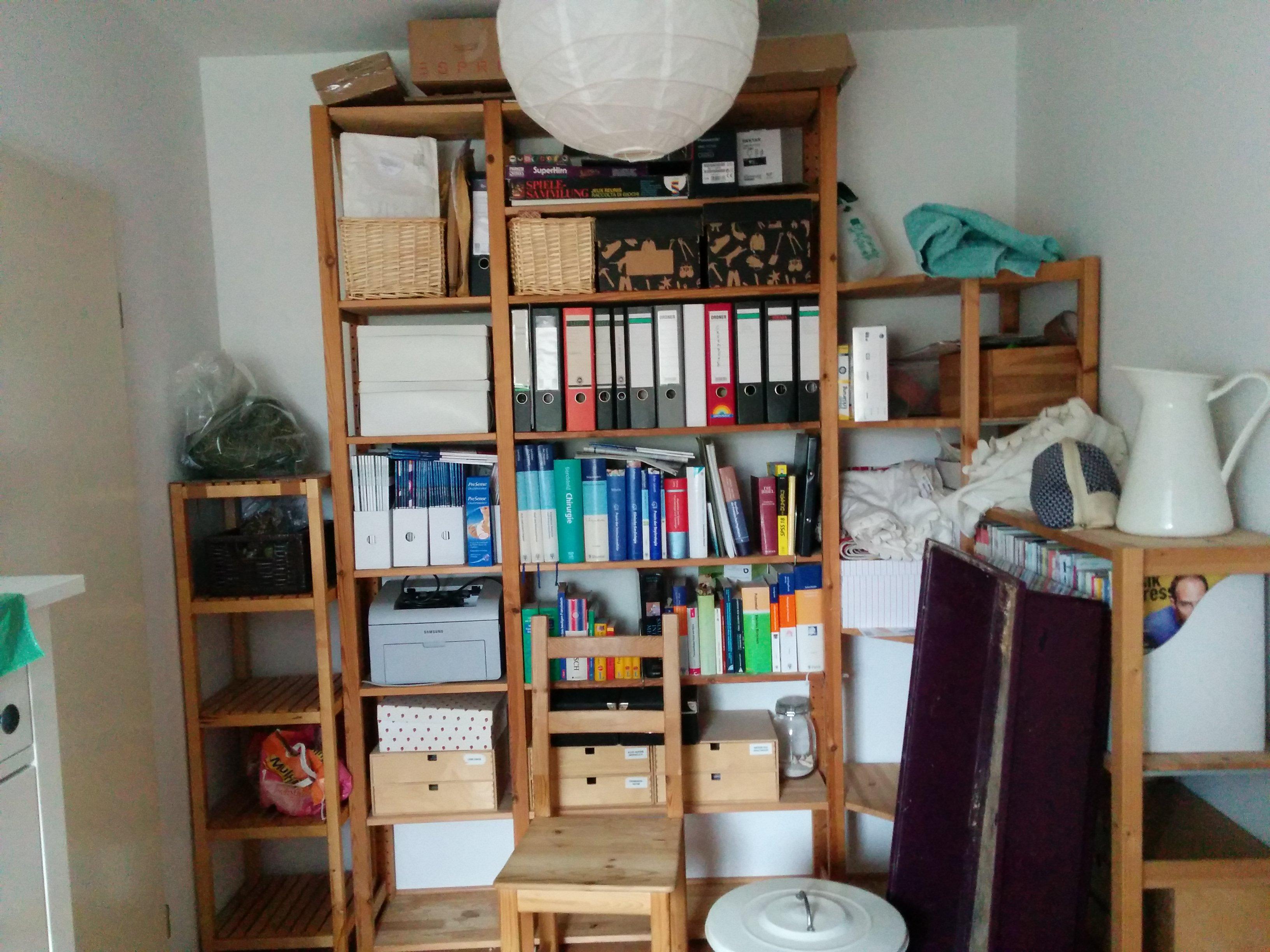 montessori spielzimmer einrichten vorher diekuckucks. Black Bedroom Furniture Sets. Home Design Ideas